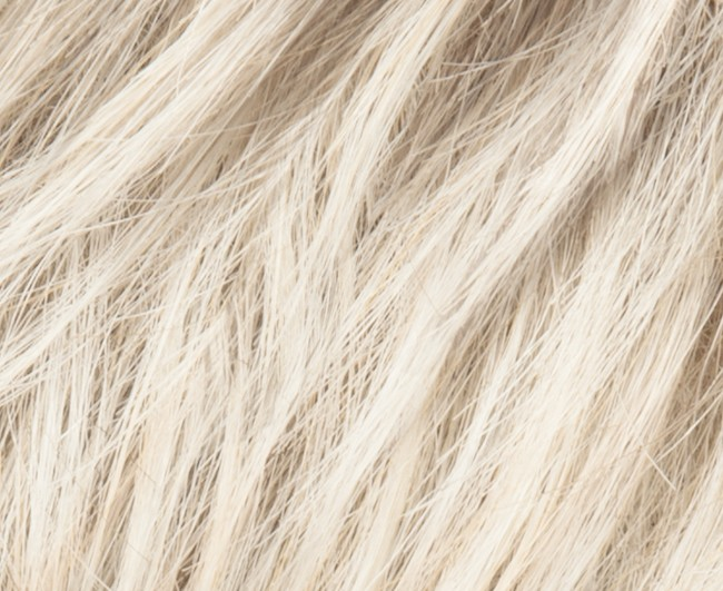 pastelblonde rooted